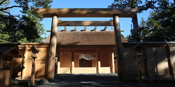 Entrance of the main shrine